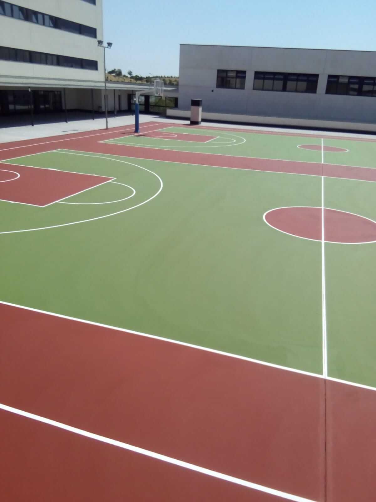 construcción de pistas de basket
